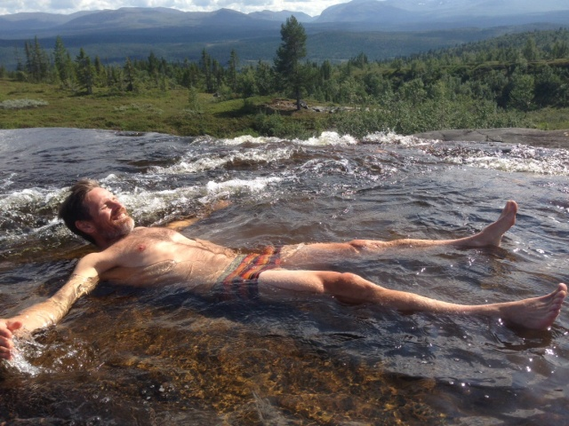 Som icke badkruka får man ju passa på med denna utsikt!