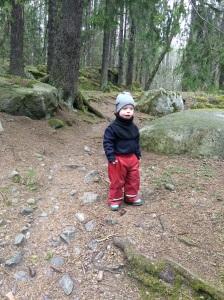 Det har visat sig att min brorson Henry är en riktig löpare. Och backar gillar han också:-) Otroligt imponerad är jag!