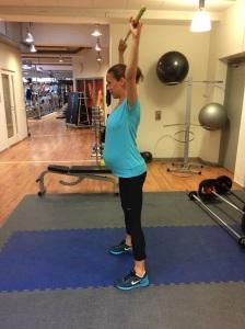 Mia kör på:-) Hon har känt sig riktigt pigg under graviditeten och kunnat träna en hel del. Dock med lugnare och lugnare takt nu då det närmar sig.